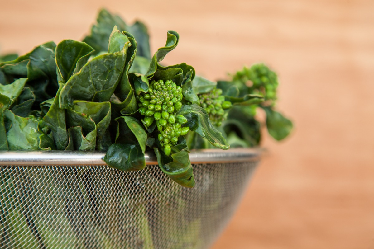 Зеленые листовые овощи Гай лан
