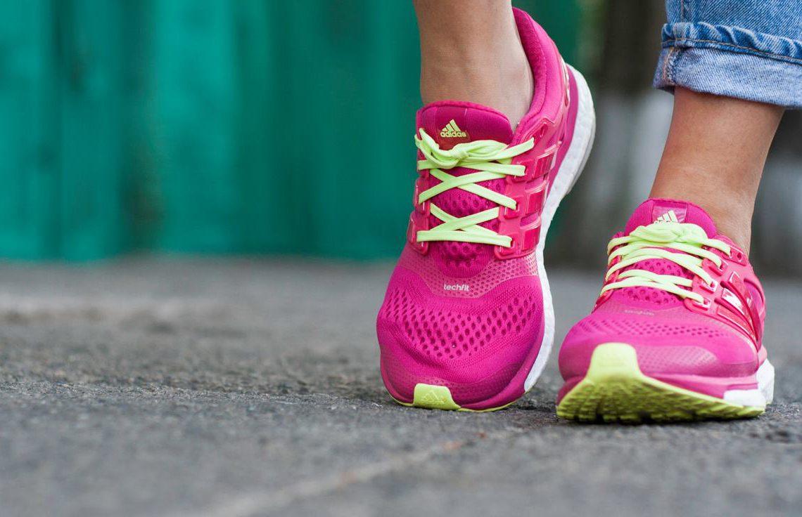 Кроссовки для бега женские