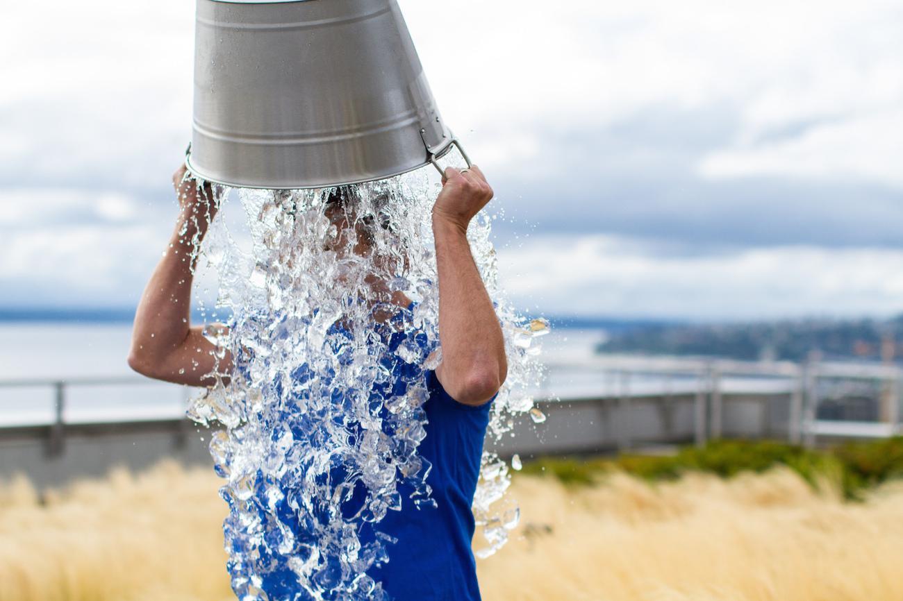 Польза и вред от обливания холодной водой. В какое время обливаться