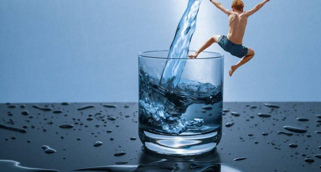 Какую воду пить: холодную, теплую или горячую
